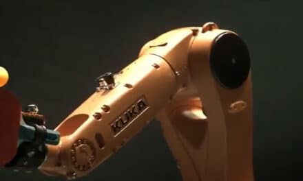 Kuka Robot affronte Timo Boll au tennis de table
