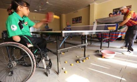 Nejla, mutilée en Irak devient une Championne de Ping !