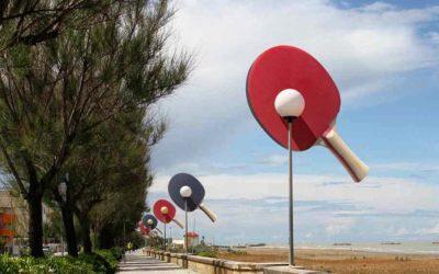 Des lampadaires en forme de raquettes de Ping Pong !